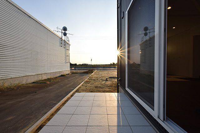 クールモダン・フルハイトドアでかっこいいインナーガレージの家 ハーバーハウス上越支店