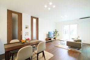 ブラックモダン・ゆったり快適リビングとこだわりの書斎のある住心地満点の家 ハーバーハウス長岡支店