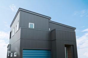 長岡市希望が丘「REVELTA シャッター付きインナーガレージとガルバリウム外壁の家」住宅完成見学会