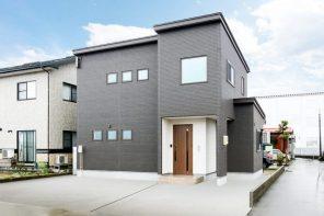 長岡市小曽根町「折り上げ天井×梁見せがアクセントの家」住宅完成見学会