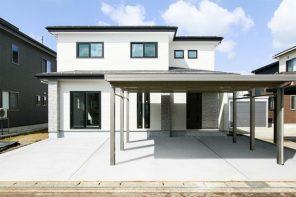 長岡市下々条町「クロスの貼り分けがポイントの広々LDKの家」住宅完成見学会